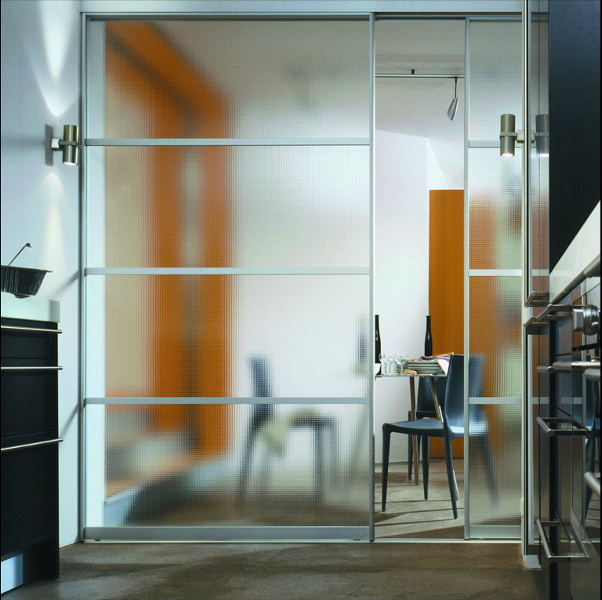 Usi de sticla for Puertas de cristal modernas